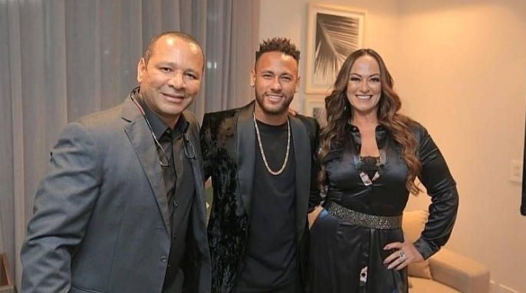 Cine este noul iubit al mamei lui Neymar. Este mai tânăr chiar și decât Neymar.