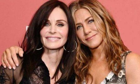 """Jennifer îi urează colegei sale din serialul Friends, Courteney Cox, o zi de naștere fericită: """"Te iubesc, CC"""""""