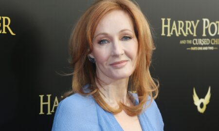 """Ce a spus JK Rowling și de ce spun oamenii că e """"transfobică""""?"""