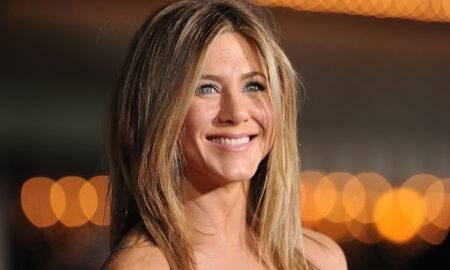 Jennifer Aniston arată de nerecunoscut în ultima postare! La ce provocare a luat parte actrița?