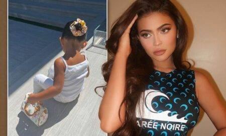 Kylie Jenner este criticată dur de fani. Fiica ei în vârstă de doi ani are poșete în valoare de 3.000 de dolari