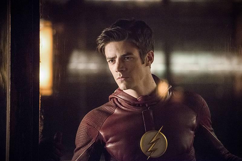 """""""The Flash"""" va """"lăsa ușa deschisă"""" pentru Omul alungit în viitor, spune Eric Wallace"""