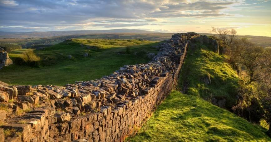 Zidul lui Hadrian Frontiera de Nord a Imperiului Roman