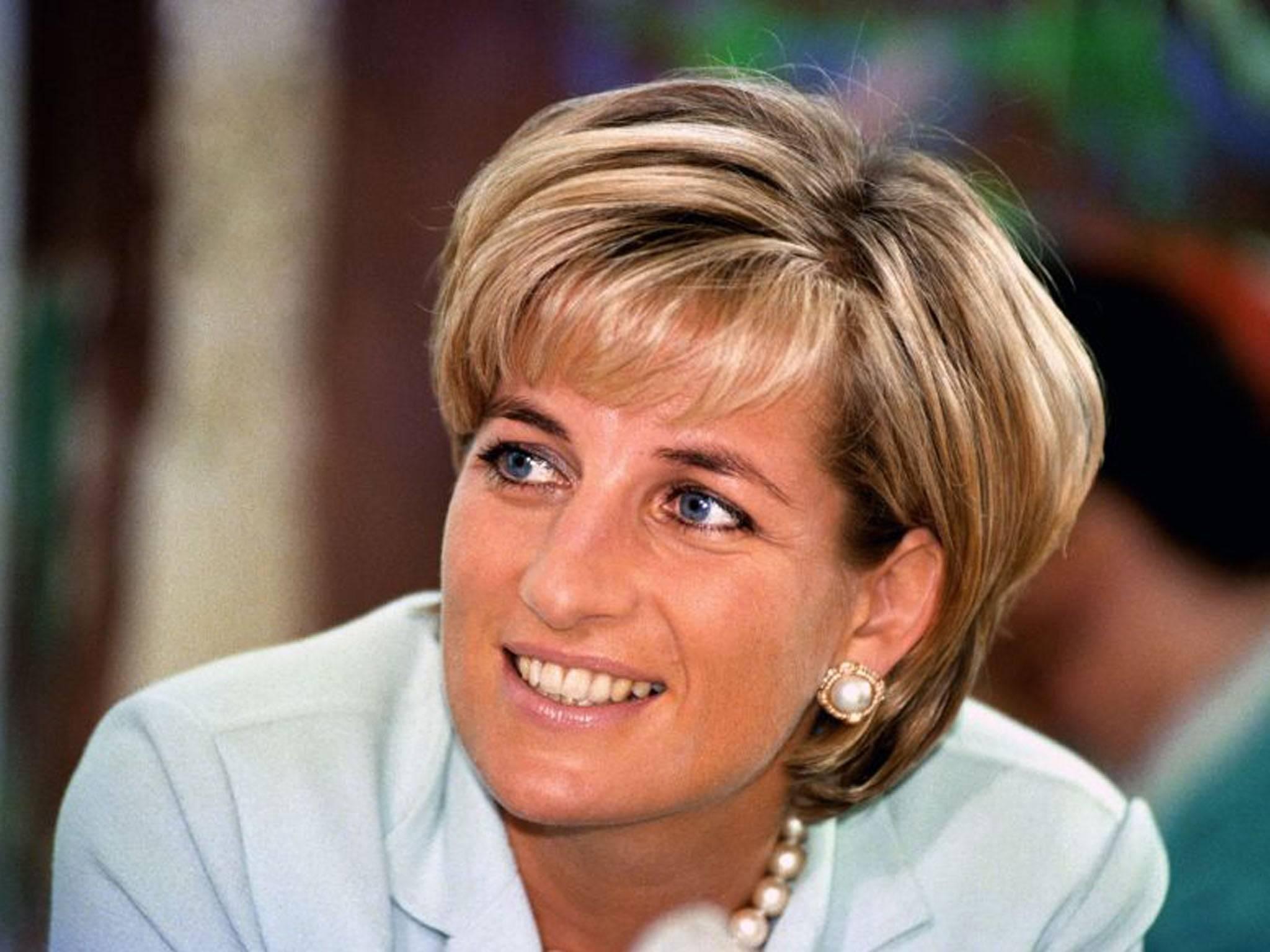 Motivul pentru care Prințesa Diana și-a tuns părul scurt la începutul anilor 90'