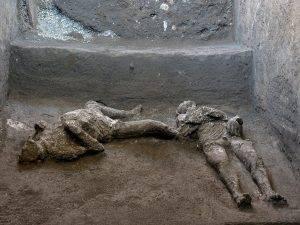 Pompeii se întoarce la viață! Două schelete conservate perfect, găsite în Civita Giuliana!