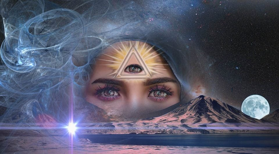 Al treilea ochi sau glanda pineală: Reprezentări în arta antică
