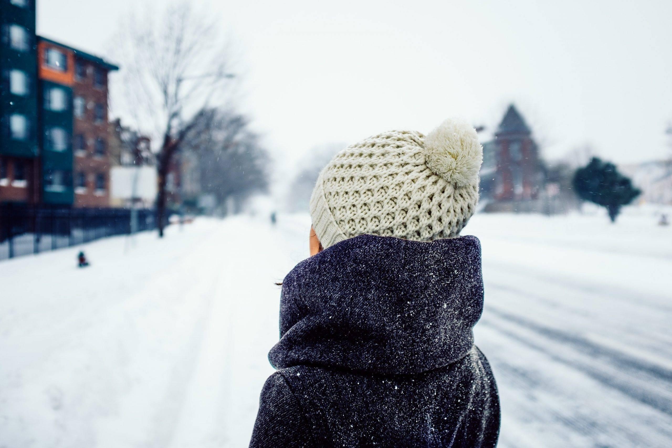 Modalități de a rămâne fericit și conectat cu ceilalți în lunile mai reci