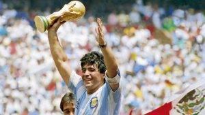 Cum a fost viața lui Diego Maradona și prin ce greutăți a fost nevoit bărbatul să treacă?