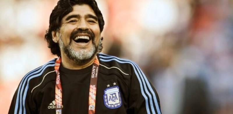 Diego Maradona a murit la 60 de ani. Argentina este în doliu