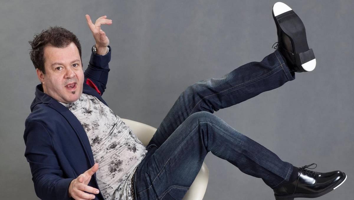 Dragoș Moștenescu este acum vedetă și în UK! Cu ce se ocupă celebrul actor în perioada pandemiei