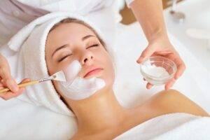 Mituri despre îngrijirea pielii pe care nu ar trebui să le crezi!
