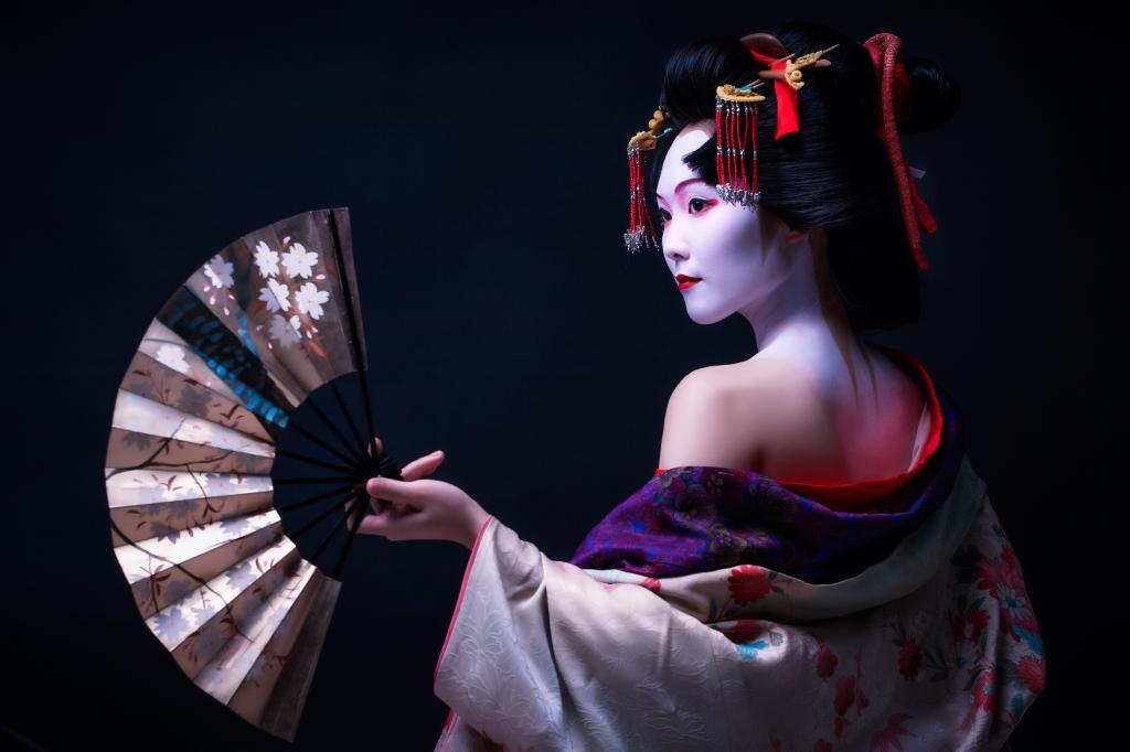 Gheișele: frumusețea artei japoneze în cea mai pură formă. O viață învăluită în mister atunci și acum