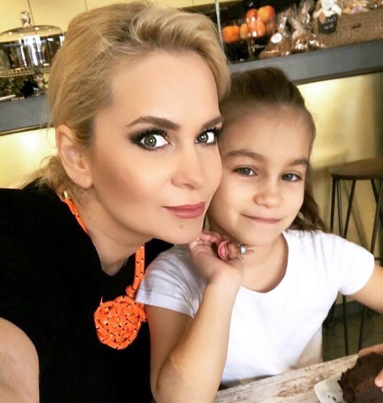 Paula Chirilă, momente cumplite la botezul fiicei sale! Vedeta a smuls copilul din mână preotului