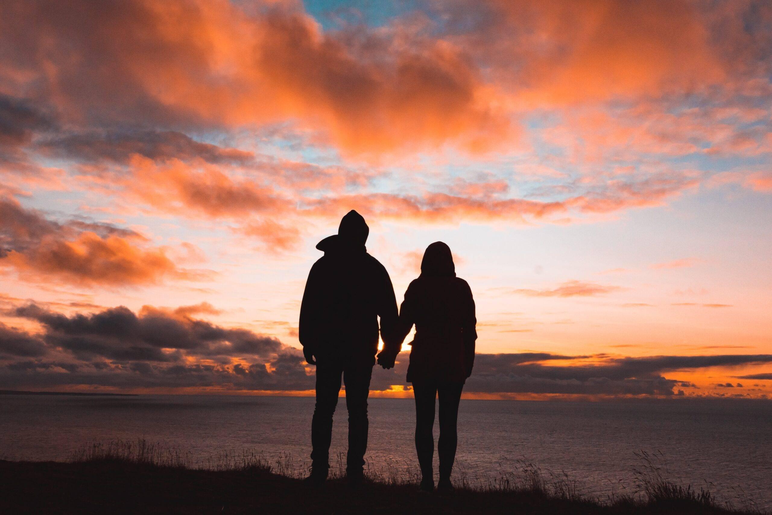 Semne că te afli într-o relație în care ai devenit dependent de persoana de lângă tine