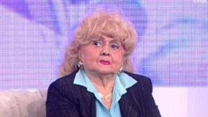 """Mama lui Mihai Mitoșeru a fost internată de urgență la spital și apoi a fost operată! """"Trebuie operată azi"""""""