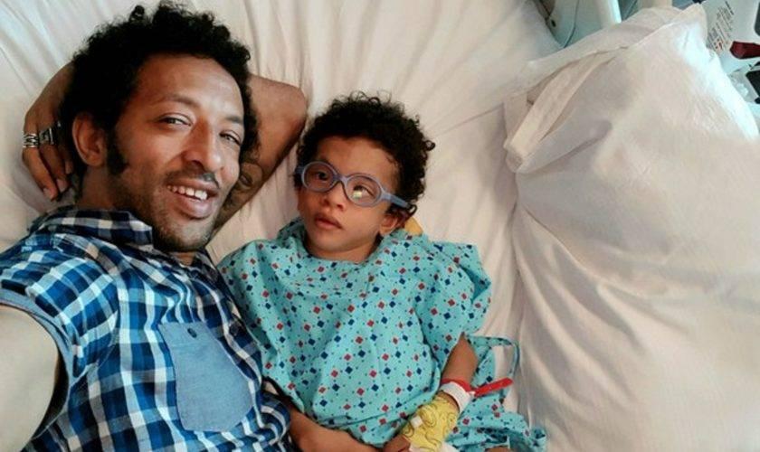 Kamara vorbește despre starea de sănătate a fiului său! Băiatul a făcut primii pași