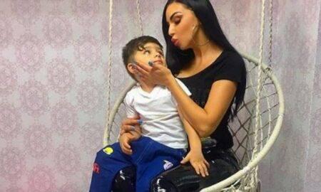 Andreea Podărescu se revoltă! Copilul ei nu este animal de companie