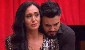 Suferă încă Ella, fosta concurentă de la emisiunea ,,Puterea Dragostei'' după Jador?