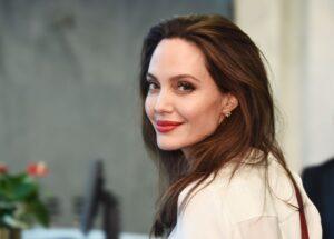 Povestea impresionantă a Angelinei Jolie. Actrița de o frumusețe izbitoare și viața sa tumultoasă