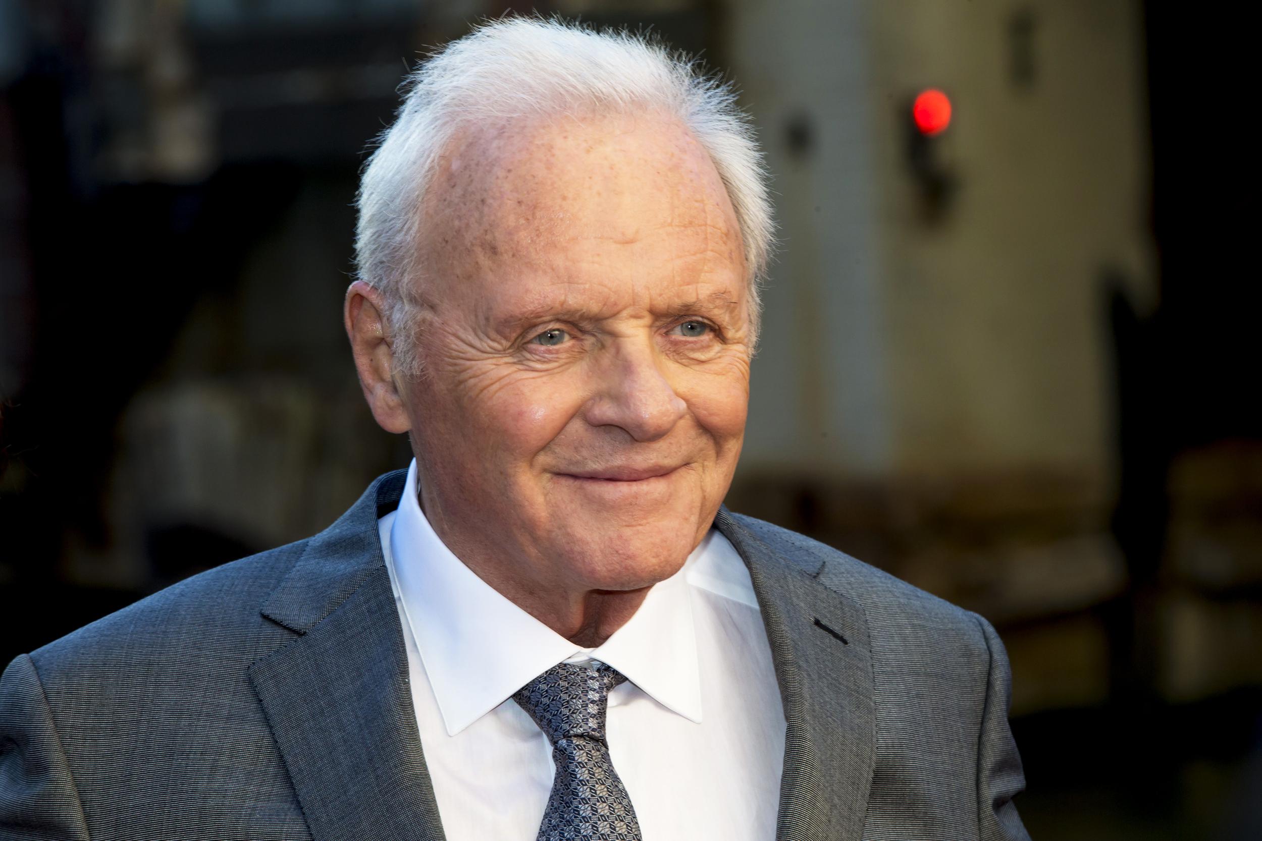Antony Hopkins este, la 83 de ani, câștigătorul Premiului Oscar pentru cel mai bun actor în rol principal.