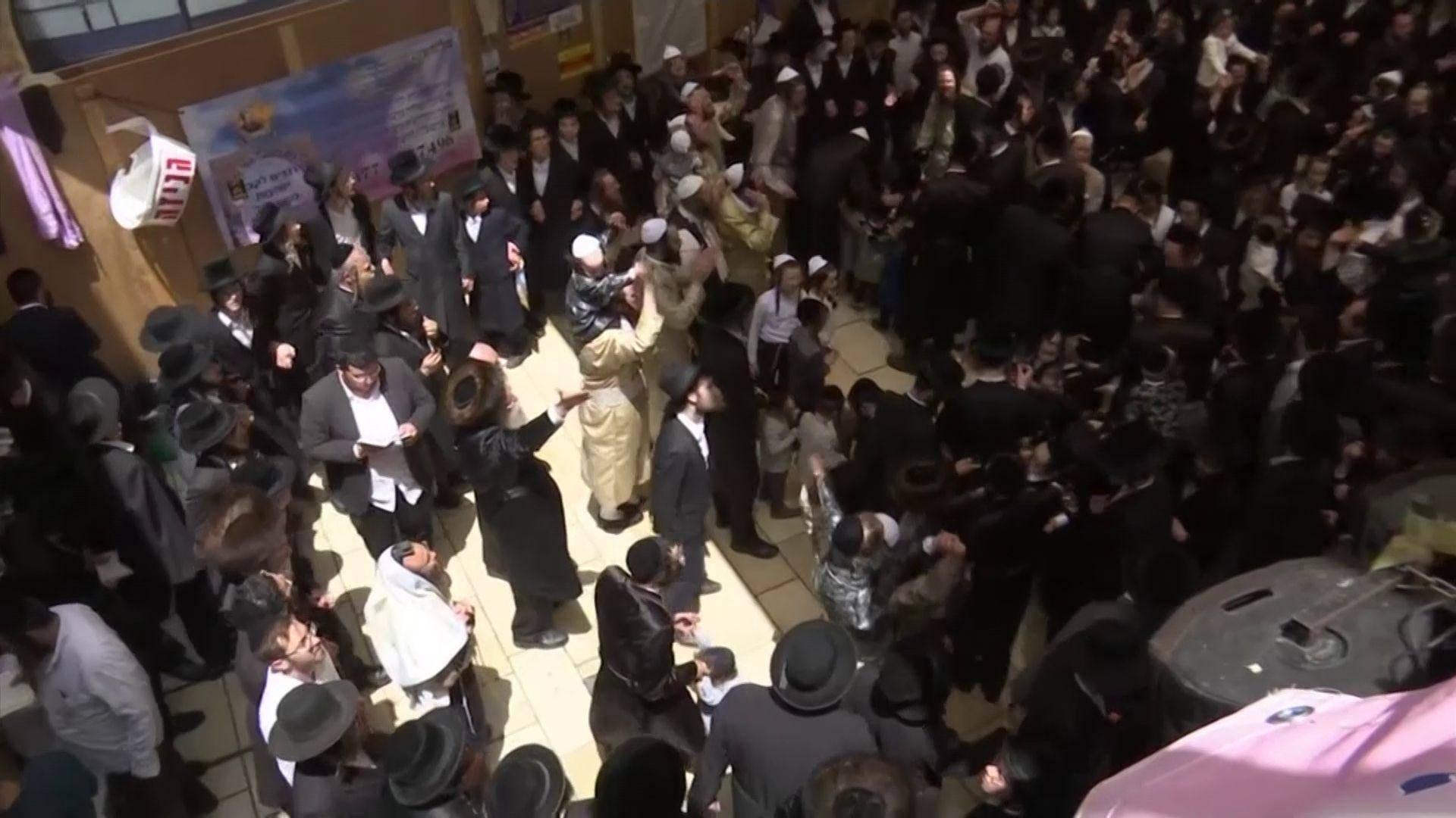 Scene greu de imaginat în Israel! După ce 44 de oameni și-au pierdut viața, petrecerea a continuat