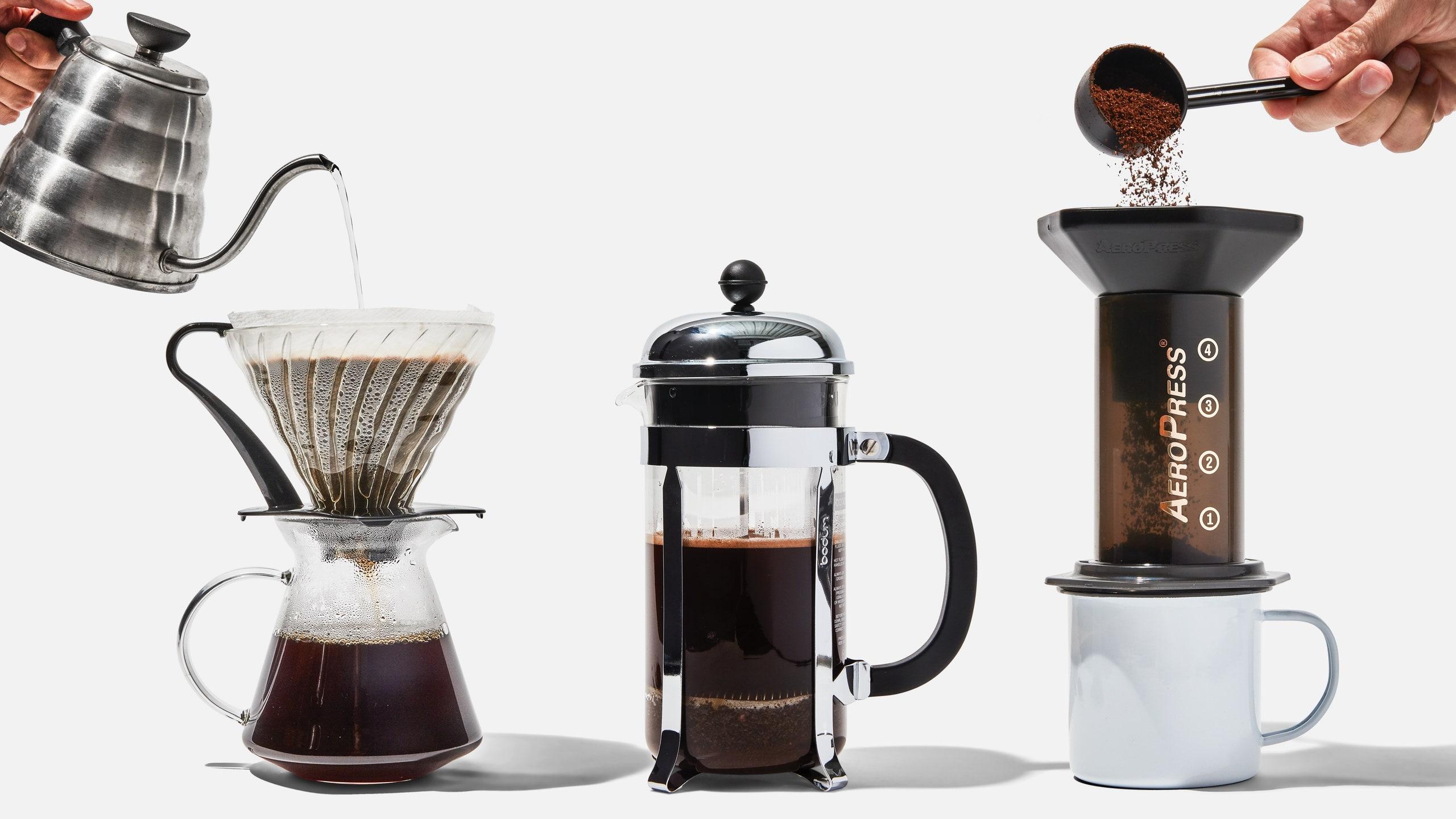 Prepară-ți cafeaua perfectă acasă cu aceste modalități simple. Diminețile tale nu vor mai fi la fel