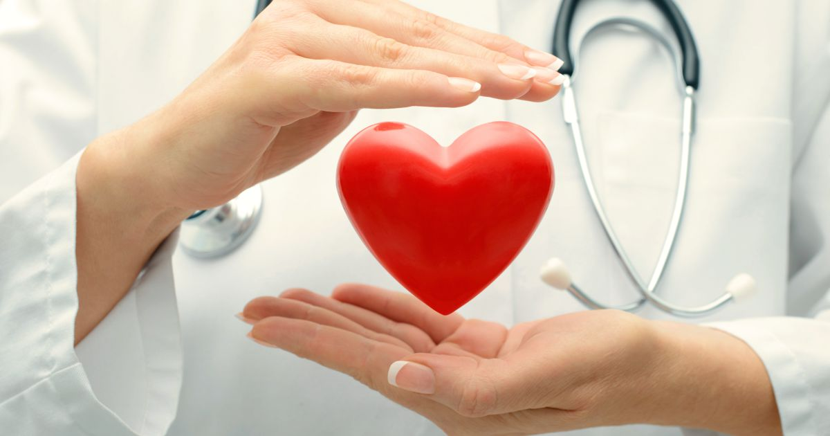 Picioarele reci și umflate pot fi cauza unei boli cardiovasculare grave