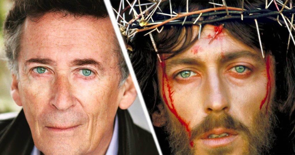 Cum arată acum Robert Powell, cel care l-a interpretat în urmă cu 44 de ani pe Iisus din Nazaret?