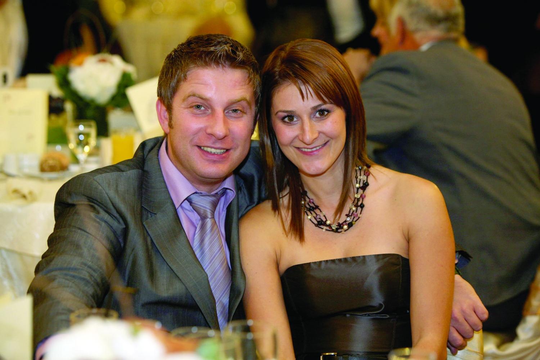 Cum și-a cucerit Pavel Bartoș soția, alături de care a sărbătorit 18 ani de căsnicie. Anca s-a lăsat greu