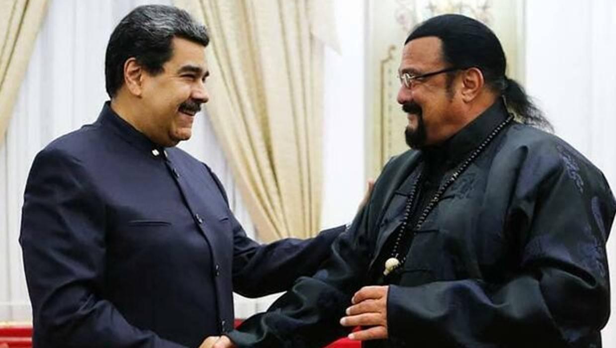 Steven Segal i-a făcut un cadou neașteptat președintelui Venezuelei, Nicolas Maduro!