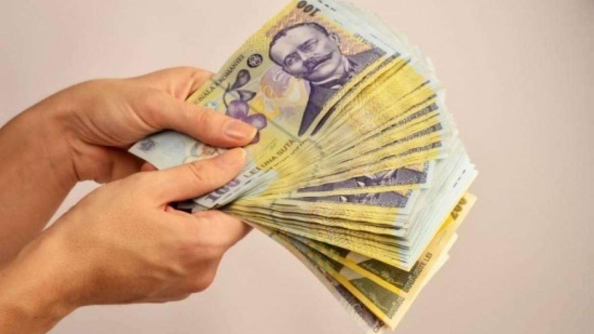 """Creșterea salariului minim, în discuții: """"Principalul câştigător al acestei decizii politice este bugetul de stat"""""""