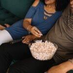5 filme de dragoste pe care le poți urmări atunci când tu și partenerul vă simțiți plictisiți