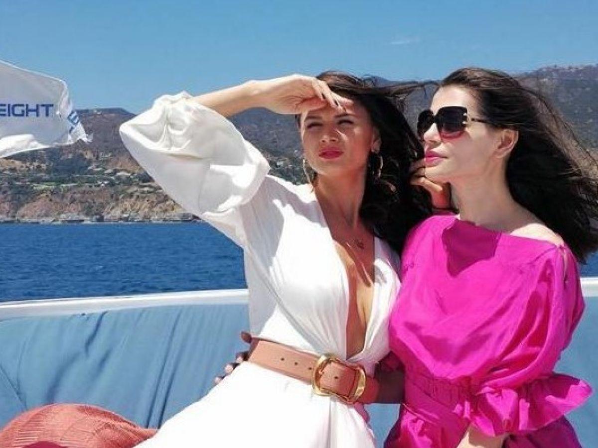 Monica Gabor ignoră scandalul despărțirii. Vedeta se distrează în Dubai alături de sora ei