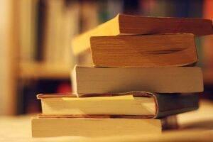 Top 4 cărți pe care trebuie să le citești neapărat până la finalul lunii iulie!