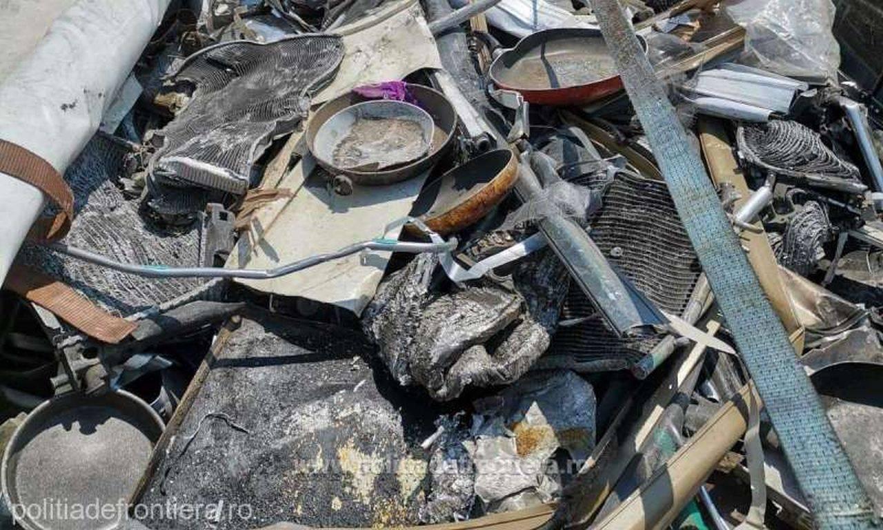 Român prins în timp ce aducea ilegal din Italia deșeuri de aluminiu