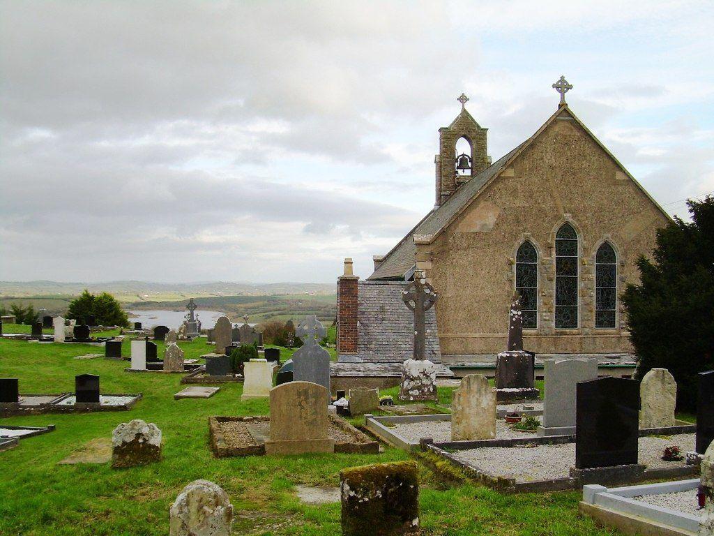 O legendă adevărată, greu de crezut: pământul din cimitir care s-ar putea transforma în antibiotic