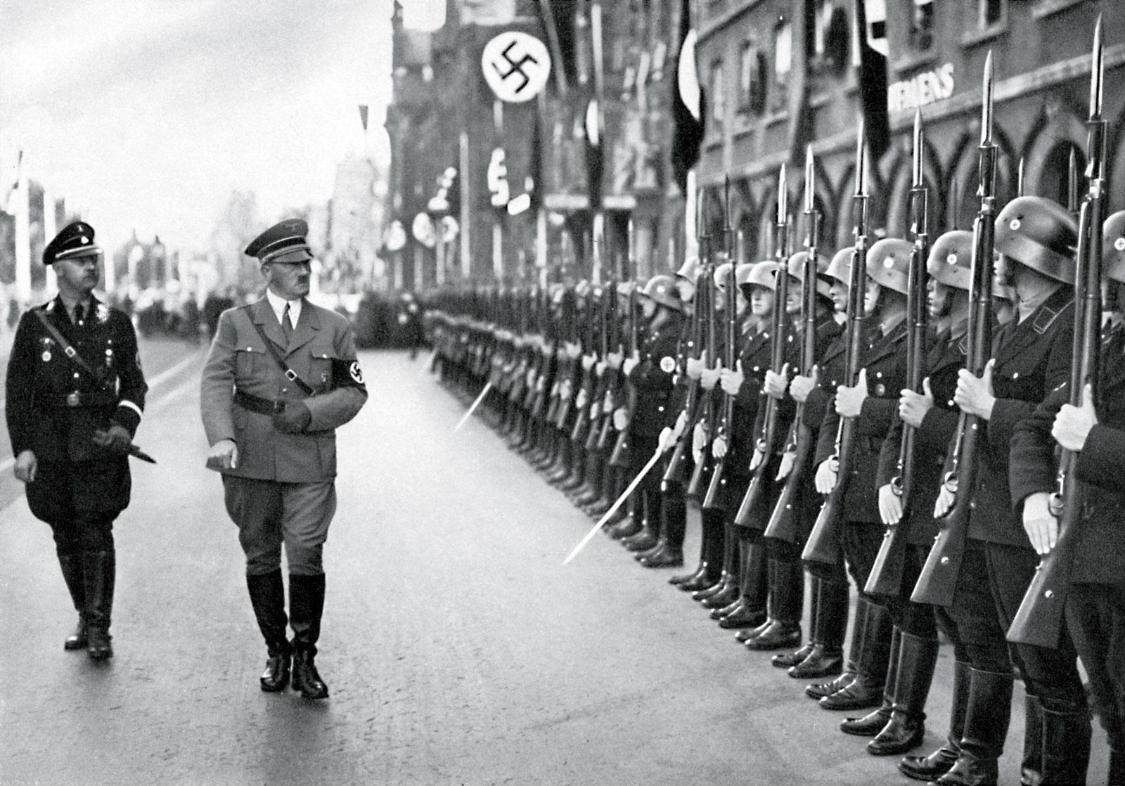 1 septembrie 1939: începutul Celui De-Al Doilea Război Mondial. Trupele lui Hitler invadează Polonia.