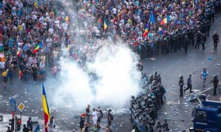 """ONG-urile cer reevaluarea dosarului """"10 august""""! În această seară vor avea loc noi proteste în Piața Victoriei"""