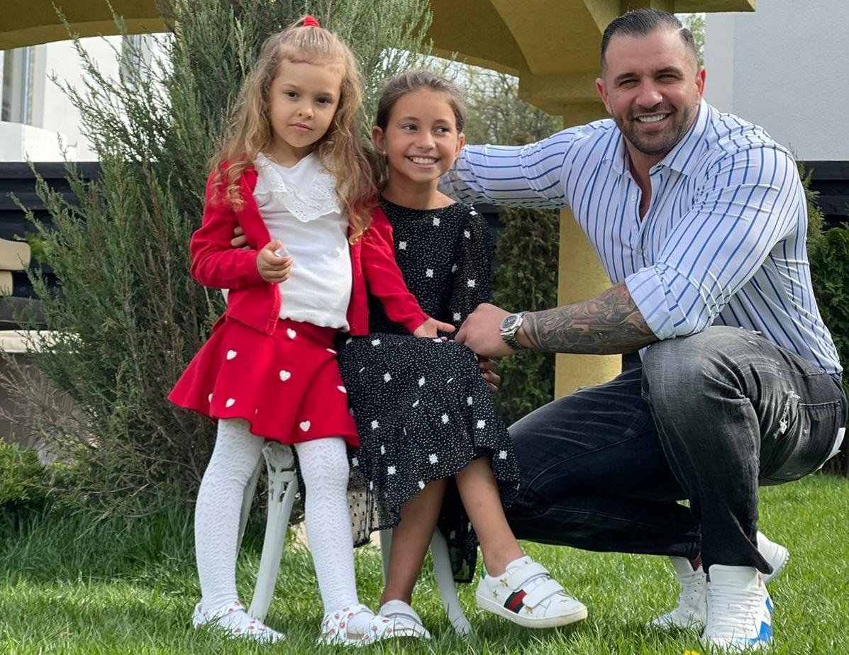 Alex Bodi, mărturisiri emoționante despre fetele sale. Nu Bianca Drăgușanu a fost motivul vizitei în Santorini
