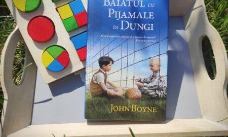 """""""Băiatul cu pijamale în dungi"""", de John Boyne"""