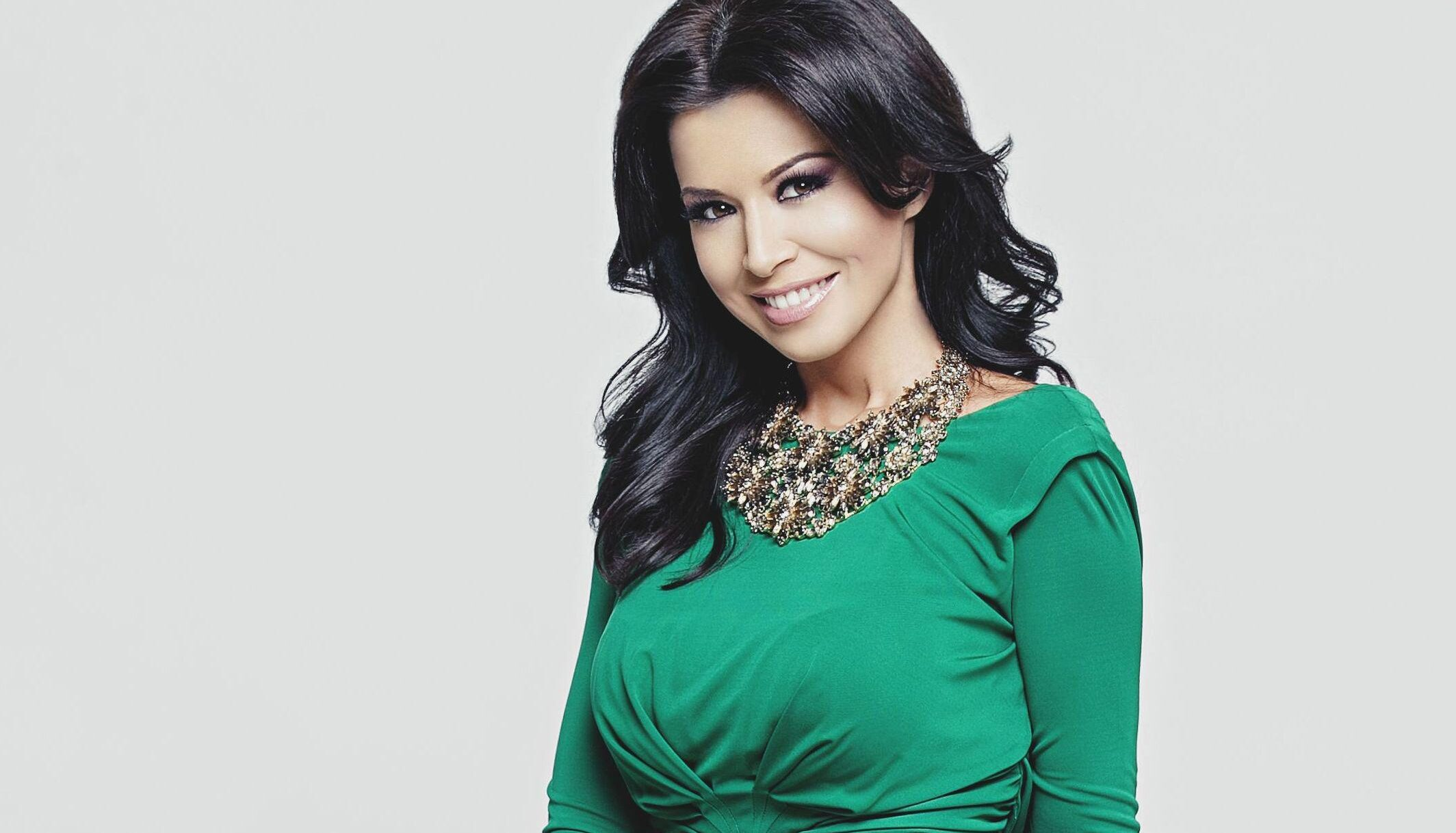 Simona Pătruleasa a povestit despre viața ei ca prezentatoare TV. Ce altă meserie și-ar alege?