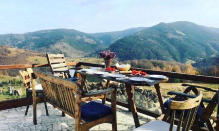 5 motive pentru care să alegi muntele ca destinație de vacanță la final de vară