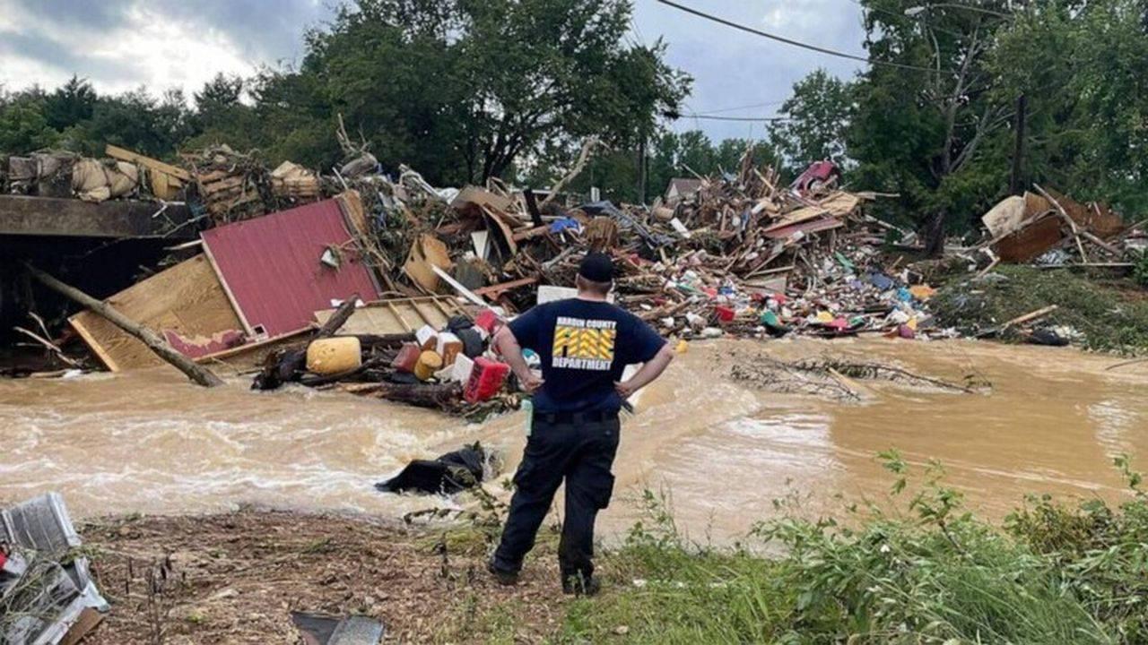 Cel puțin 20 de morți și zeci de persoane dispărute, în urma inundațiilor din Tennessee