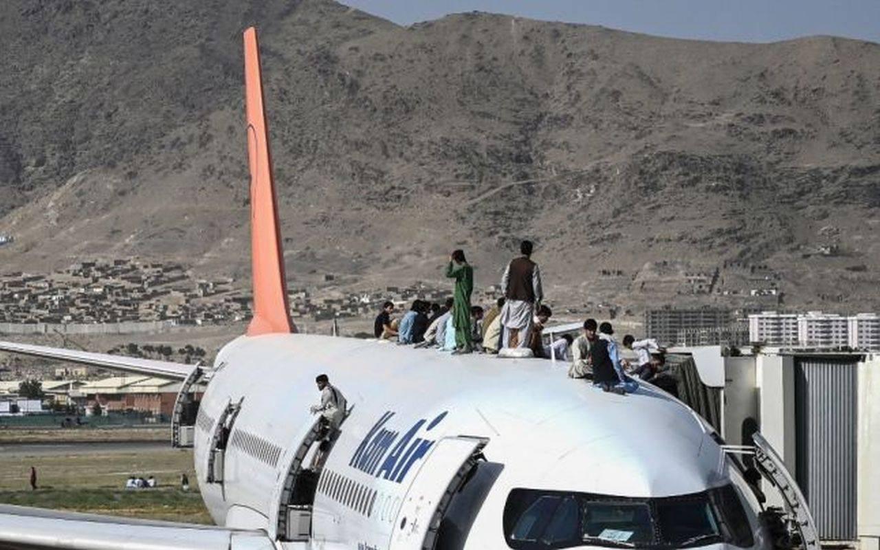 SUA a evacuat de urgență 3.200 de persoane din Afganistan!