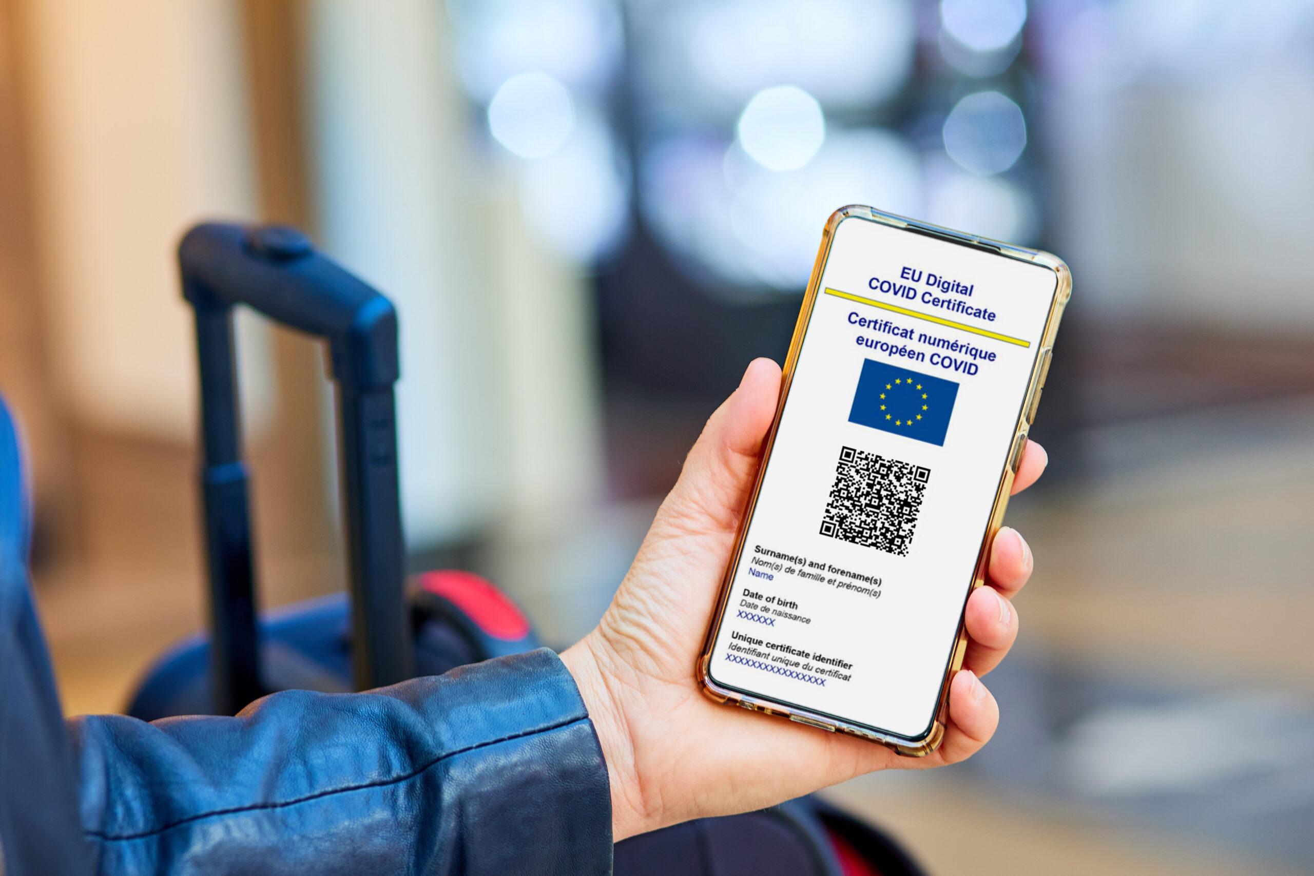 Schimbări majore pentru români! De vineri, trecerea frontierelor se va face doar cu certificatele digitale