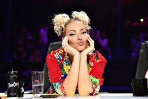 """Delia, surpriză mare pe platourile de filmare de la """"X Factor"""". Cine a venit s-o viziteze în sezonul 10"""