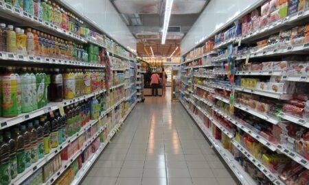 Sondaj: Comportamentul cumpărătorilor români s-a schimbat în pandemie. Cum au ales să econimisească