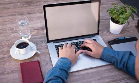Comisia Europeană lucrează la un nou set de norme pentru freelanceri. Numărul lor este în creștere