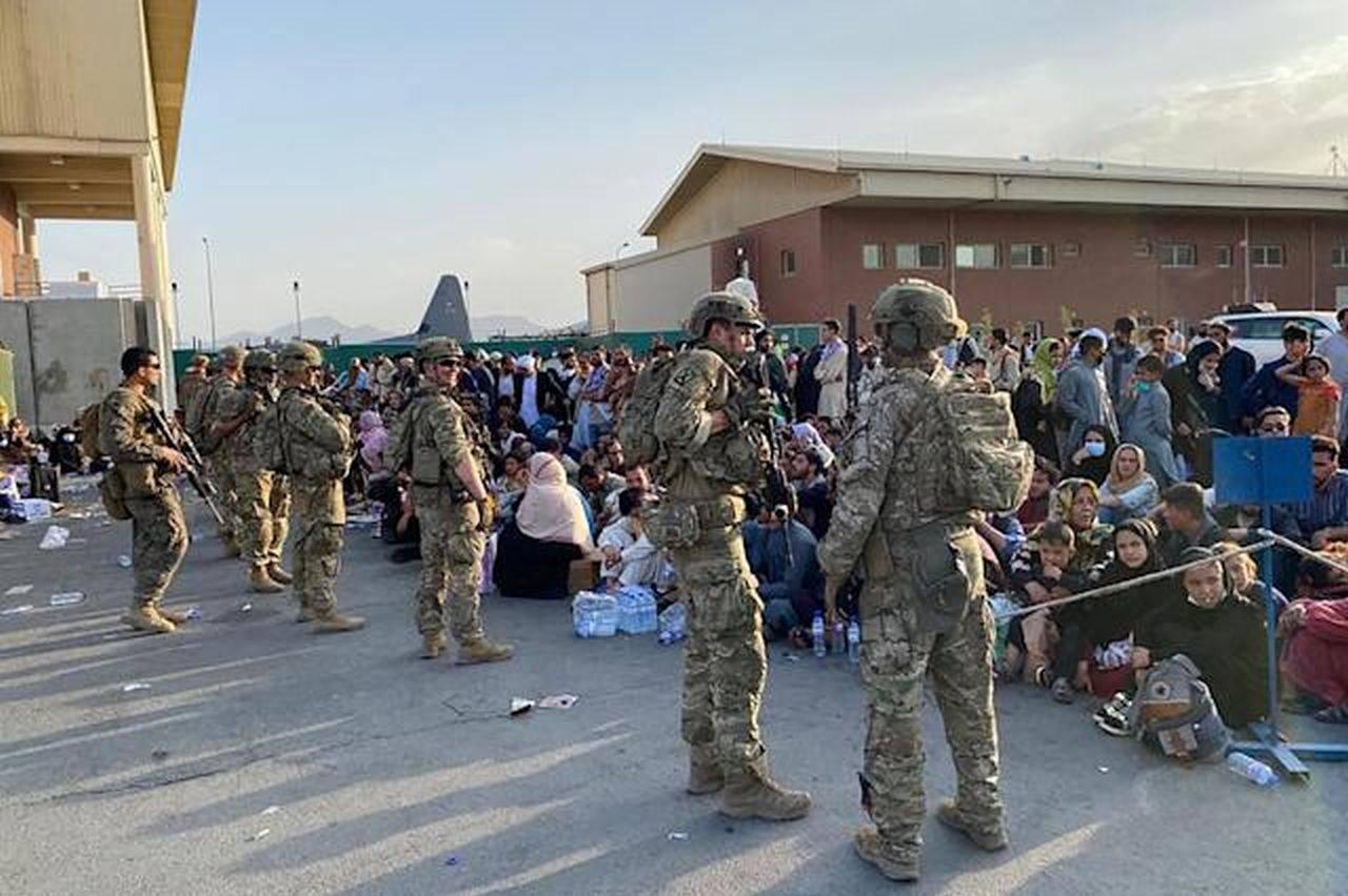 Un nou atac pe aeroportul din Kabul! Un afgan a murit și alți trei sunt răniți grav