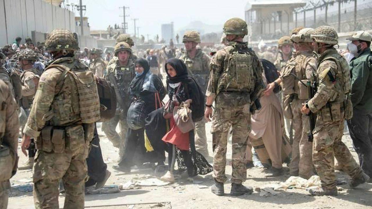 Se confirmă moartea mai multor militari în explozia de la Kabul